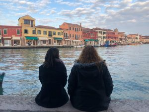 Two friends that traveled to Burano